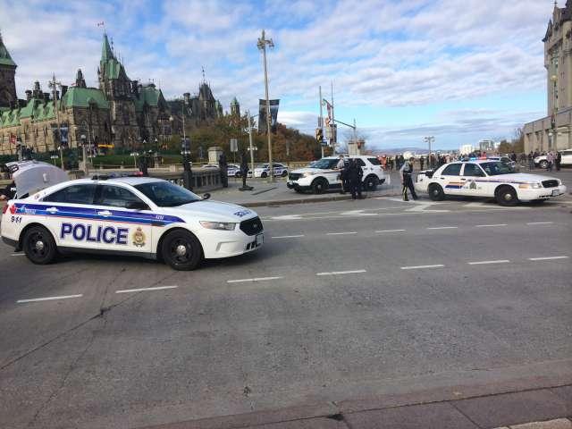Fusillade à Ottawa : Denis Lebel en sécurité.