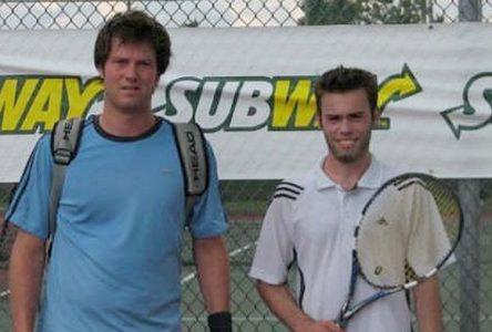 Les joueurs de tennis d'ici dominent
