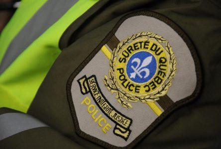 Accident de motoneige sur le lac : 1 mort, cinq motoneigistes recherchés
