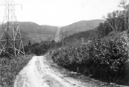 Du sentier des Jésuites à la première voiture : Le défi de la liaison Lac-St-Jean/Québec