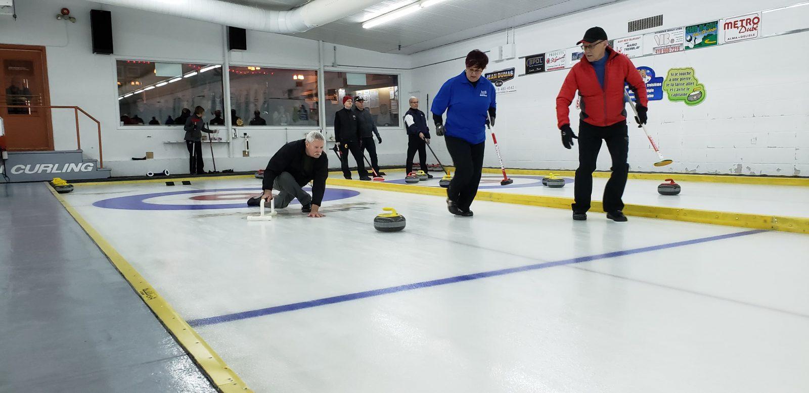 Club de curling Riverbend: Un gros tournoi le mois prochain