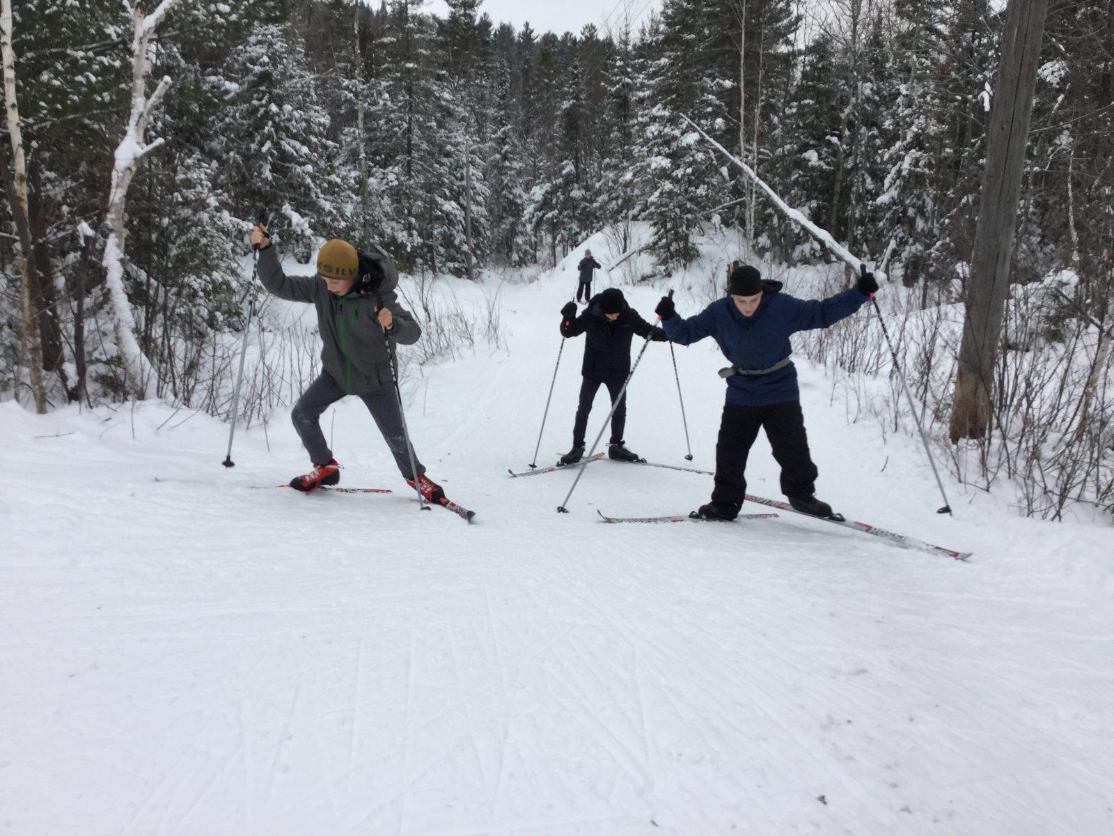 École primaire de Saint-Bruno: Une initiation en ski de fond réussie