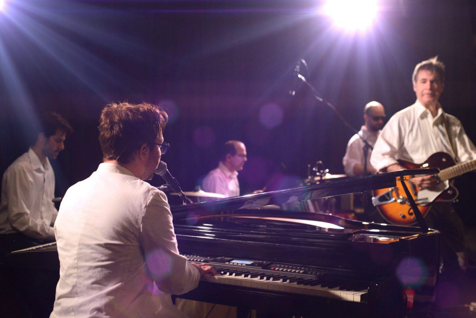 Hommage à Elton John en souper-spectacle