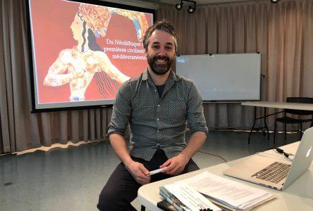 Véritable passionné de culture : Félix Lafrance raconte et diffuse l'histoire avec un grand H