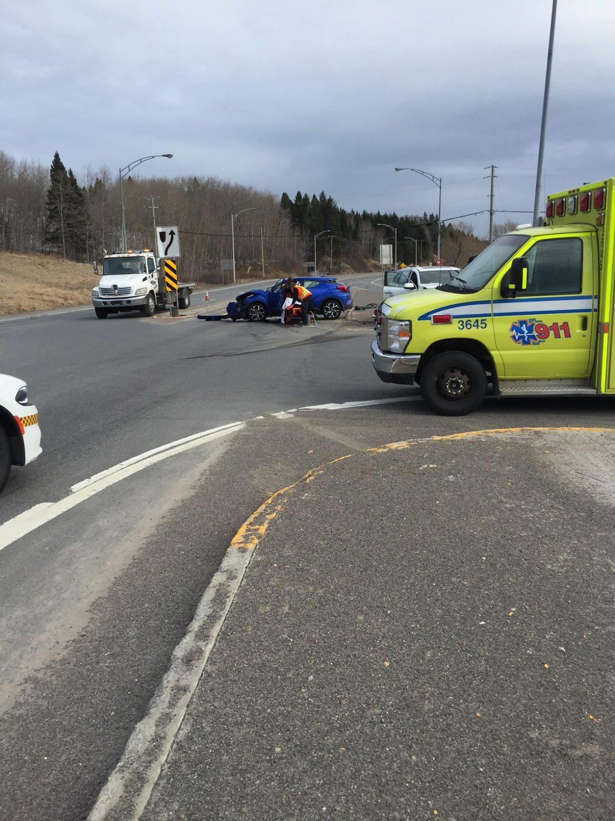 Accident impliquant trois véhicules à Hébertville