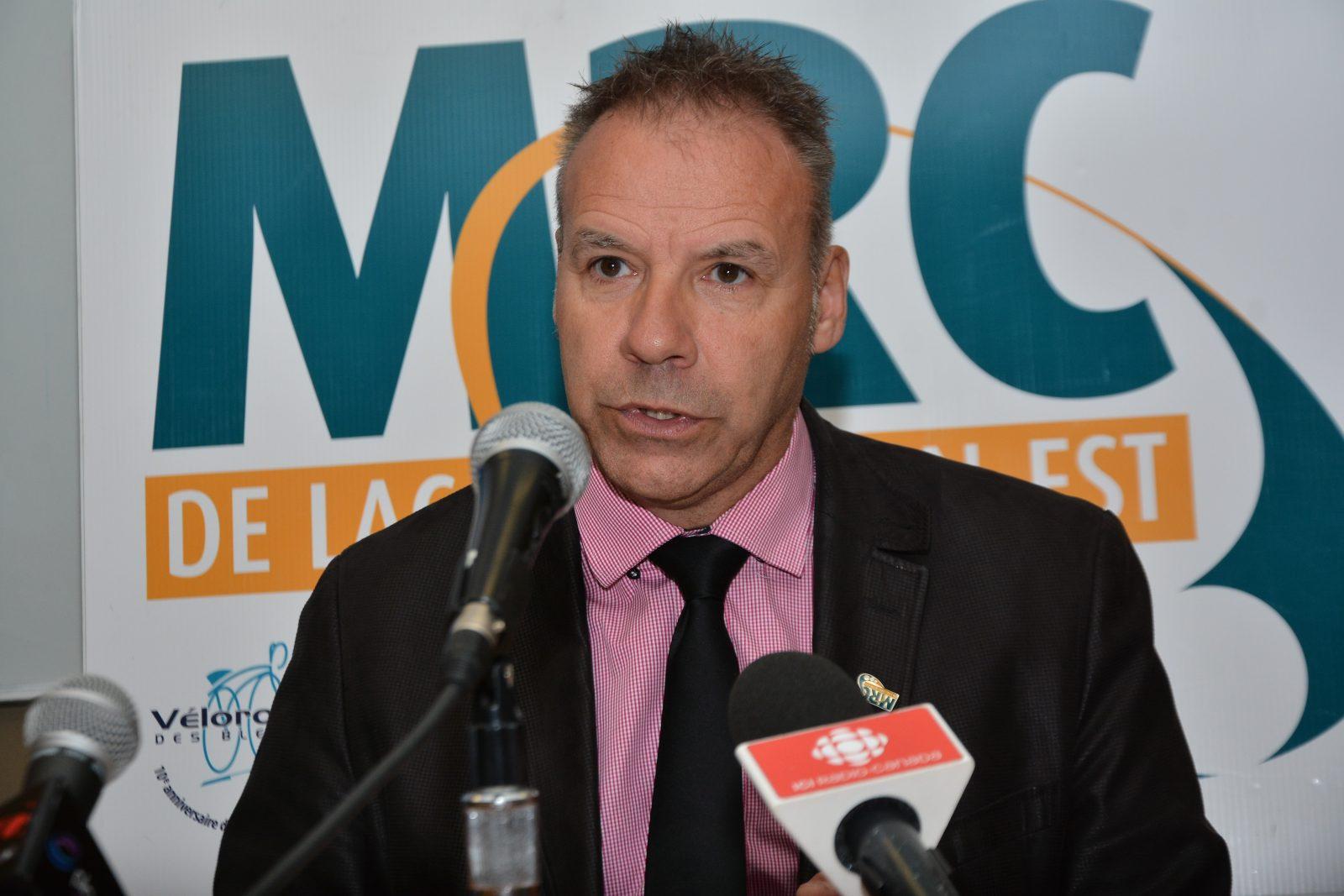 Programme de Réhabilitation du réseau routier local : André Paradis dénonce l'engagement non respecté