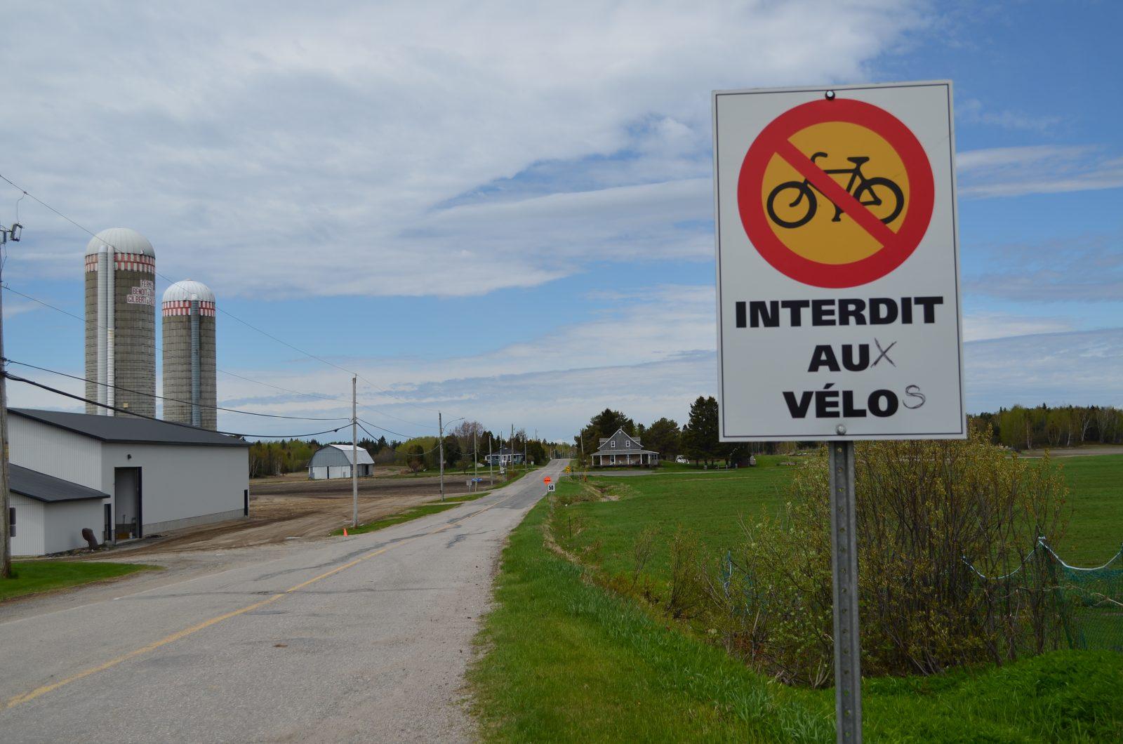 Vélos interdits à St-Henri-de-Taillon: Un rapport d'expertise pour protéger la municipalité et les cyclistes