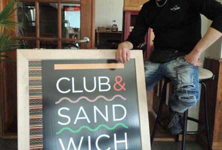 Chef propriétaire de Tacos Y Salsa à Saint-Gédéon : François Rochette se lance dans les clubs sandwichs