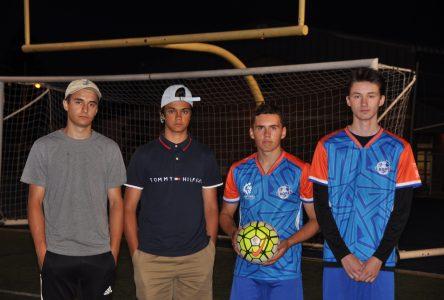 Option soccer à l'école secondaire Camille-Lavoie: Des jeunes frustrés face au remplacement de Benoit Lavoie