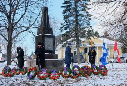Élus et citoyens commémorent le jour du Souvenir