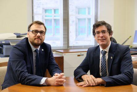 COVID-19 : Alexis Brunelle-Duceppe et Mario Simard ajoutent des lignes téléphoniques