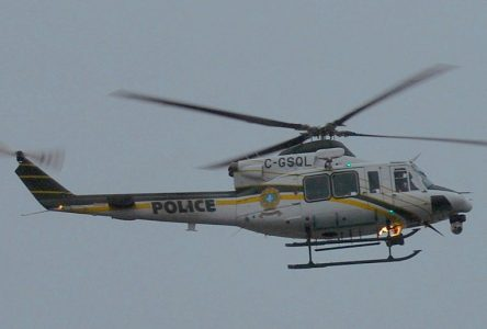 Recherches des motoneigistes au Lac-Saint-Jean : Un hélicoptère de la SQ s'écrase