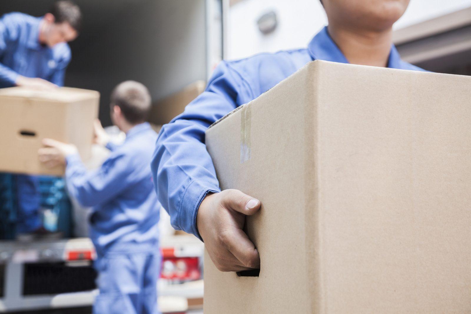 Avoir recours aux services de déménageurs professionnels : les avantages