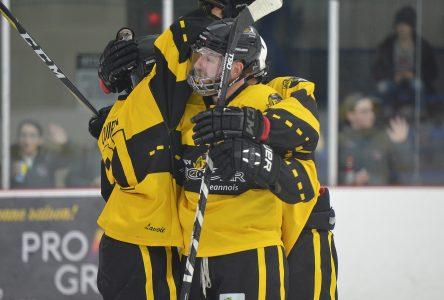 À sa première saison en hockey senior: Saint-Bruno termine au sommet du classement