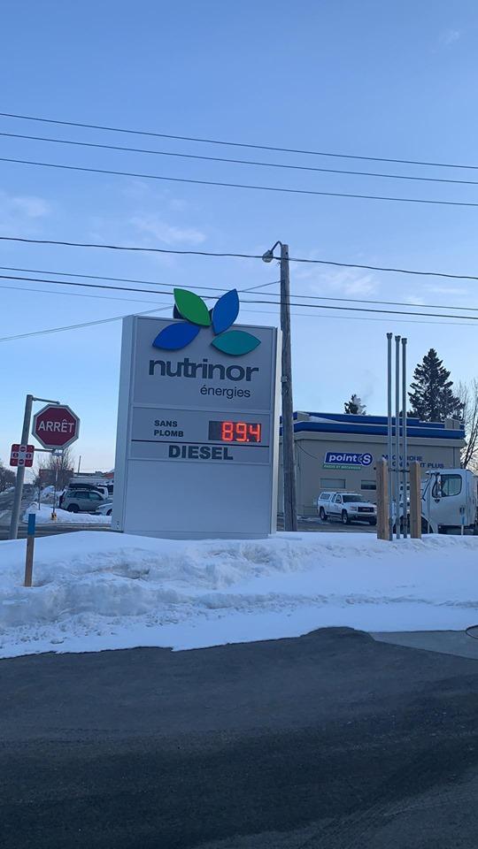 L'essence sous la barre des 90 cents le litre