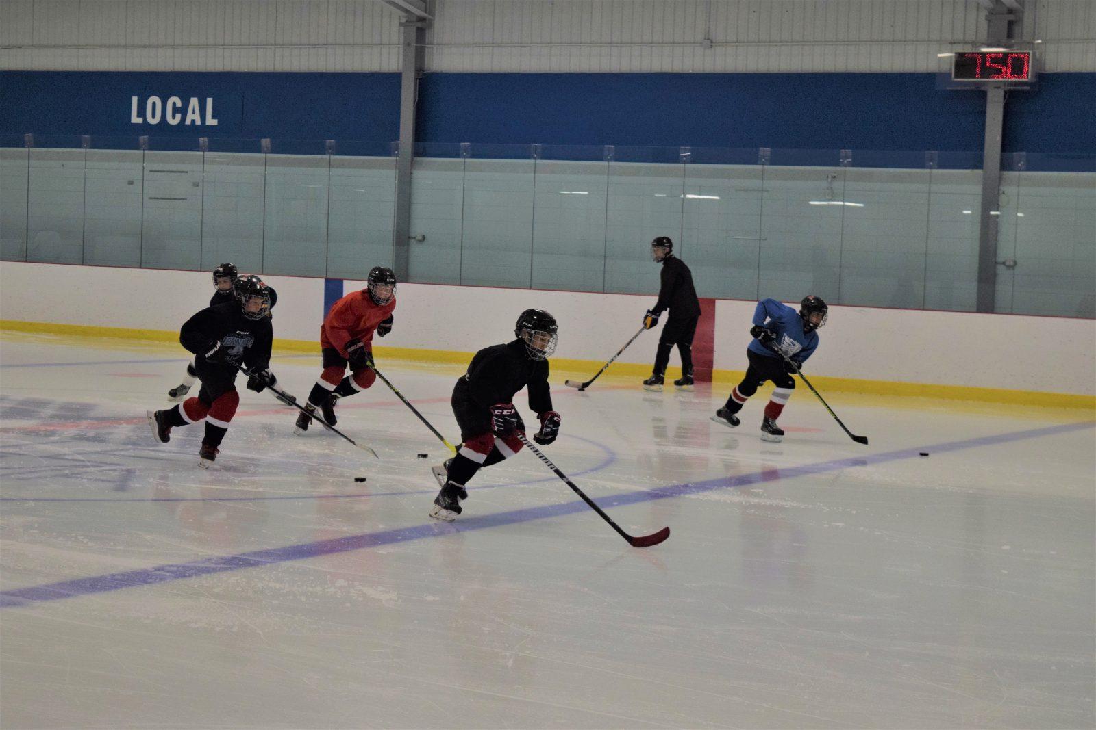 Hockey mineur : Un retour progressif à 5 contre 5
