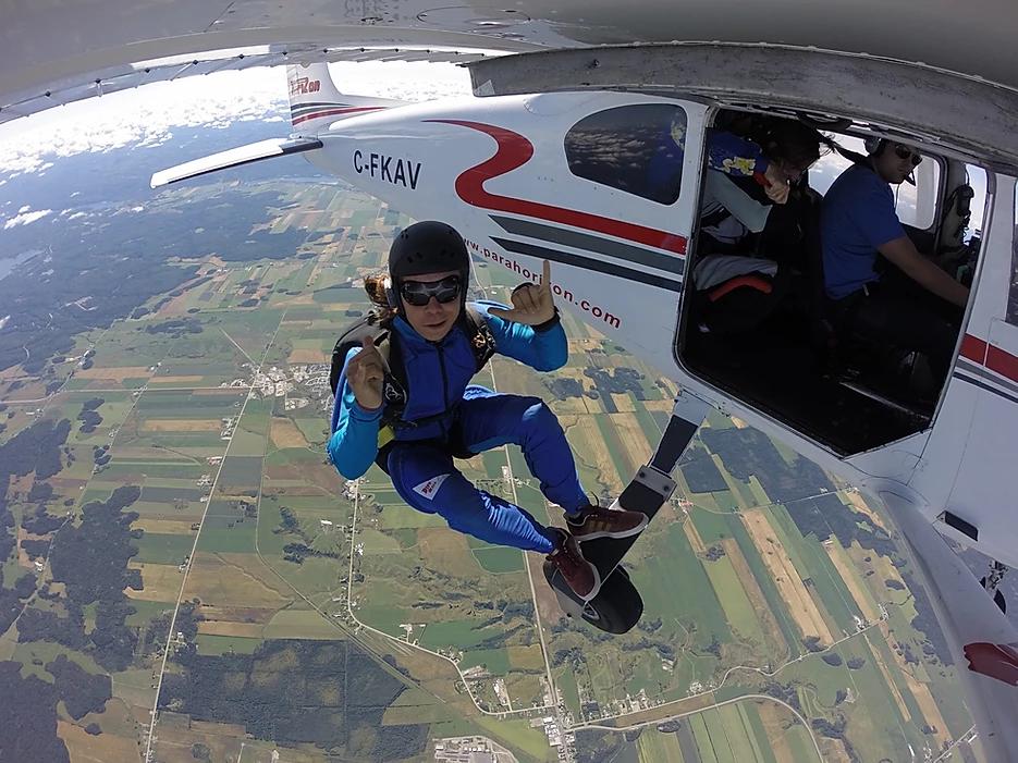 Le parachute est toujours aussi populaire à Alma