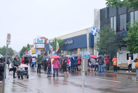 Manifestation contre le port du masque obligatoire à Alma