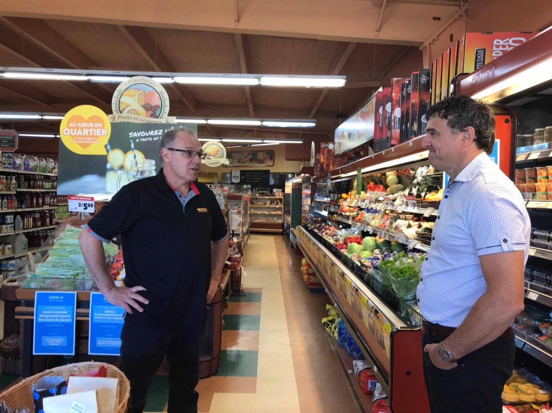 Tournée estivale : Éric Girard satisfait des habitudes d'achat local
