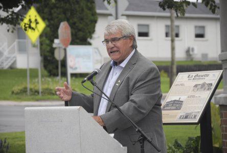 Élections municipales : Marc Asselin poursuit sa réflexion