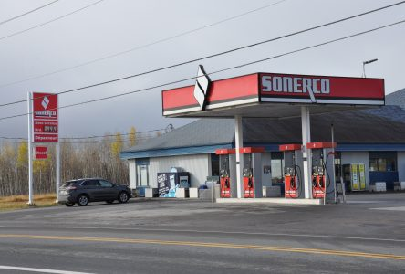 Pourquoi le prix de l'essence diffère entre Alma, Saguenay et le haut du Lac?