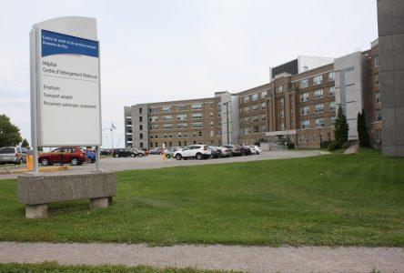 Le CIUSSS passe en niveau d'alerte 4: Une nouvelle zone chaude à l'Hôpital de Roberval