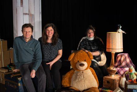 Théâtre Les Amis de Chiffons: Baluchon : un spectacle pour toute la famille
