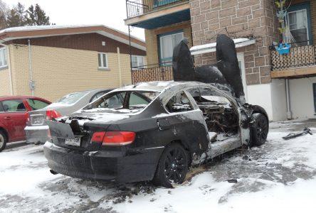 Incendie suspect d'une voiture à Alma