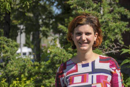 Elsa Moulin se porte candidate dans le district Melançon