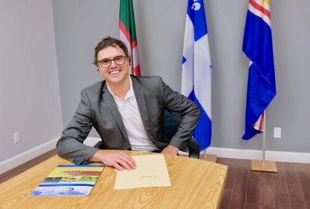 Tournée des municipalités: Éric Girard souhaite rester sur le «plancher des vaches»