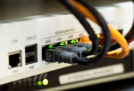 Internet haute vitesse : 4 250 foyers de la région seront branchés